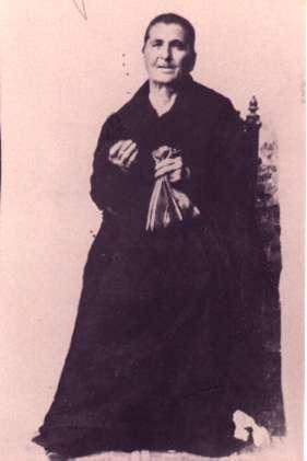 101.-Justa-Alonso-ataviada-con-traje-de-faena.-Hacia-1841.-Procedencia-Isabel-de-la-Fuente
