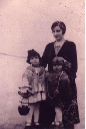102.-Luciana-de-la-Fuente-con-sus-sobrinos.-Ano-1931.-Procedencia-Isabel-de-la-Fuente