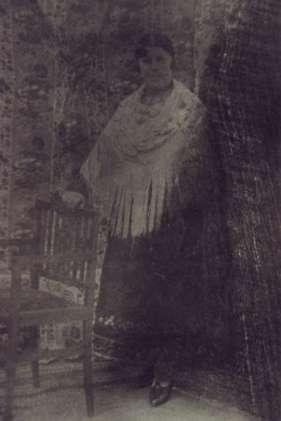 107.-Lucrecia-Ontalba-ataviada-con-traje-de-lujo.-Ano-1926.-Procedencia-Isabel-de-la-Fuente