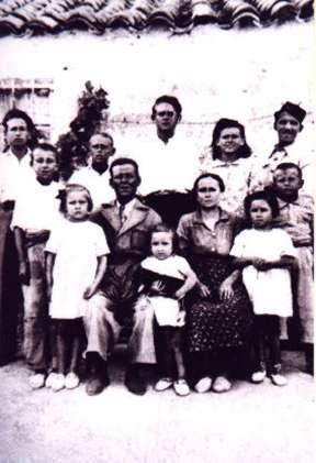 121.-Familia-de-Eusebio-Alonso--Los-Cuatros-.-Ano-1939.-Procedencia-Isabel-Alonso