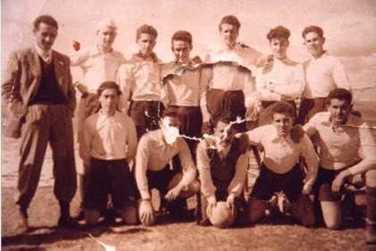 130.-Equipo-de-futbol.-Ano-1948.-Procedencia-Isabel-Coque