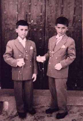 136.-Primera-Comunion-de-los-hermanos-Julian-y-Jose-del-Salado-Rodriguez.-Ano-1958.-Procedencia-Jose-M-