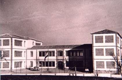 168.-Colegio-Cristo-de-la-Sala-en-el-ano-de-su-inauguracion1966.-Procedencia-Antonio-del-Salado