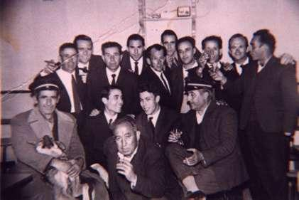 173.-Serenos-municipales-con-amigos-en-el-bar-Ideal.-Ano-1963.-Procedencia-Angeles-del-Cerro