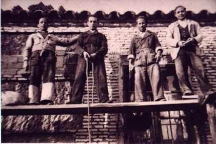 182.-Obreros-de-la-construccion.-Hacia-1955.-Procedencia-Raul-del-Cerro