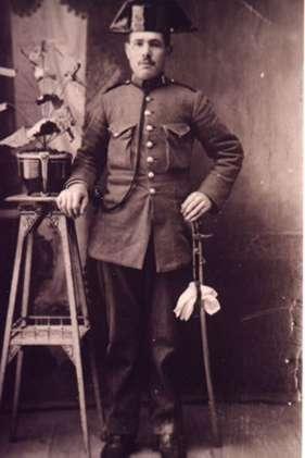 185.-Angel-Perez-Hernandez,-Guardia-Civil.-Hacia-1935.-Procedencia-Raul-del-Cerro