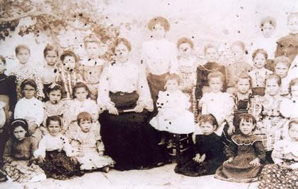 199.-Grupo-escolar-de-ninas.-Ano-1903.-Procedencia-M-Jesus-Alonso