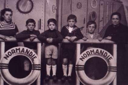 210.Familia-de-Maria-Rodriguez-Lorente--en-su-exilio-en-Francia-(Angouleme-1940.-Proc.-Severiano.-Rodriguez-del-Cer