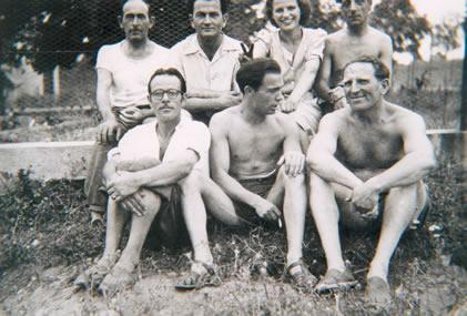 213.-Feliciano-Coque-con-varios-companeros-en-la-Casa-de-Reposo-de-Pensse-(Francia).-Ano-1942.-Pr.-Isabe