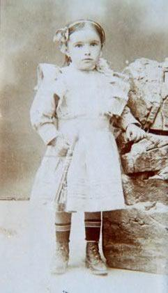 219.-Maria-Gutierrez-Oropesa.-Ano-1911.-Procedencia-Vicenta-Alconchel