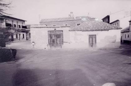 246.-Plaza-de-Aurora-Morales-(El-Corralon).-Procedencia-felipe-Pleite