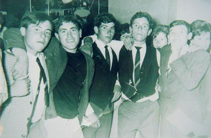 258.-Grupo-de-amigos-en-las-fiestas.-Ano-1967.-Procedencia-Bernardo-Alfageme