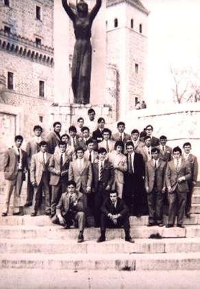 28.-Quintos-en-el-Alcazar-de-Toledo.-Ano-1970.-Procedencia-Pilar-Bargueno