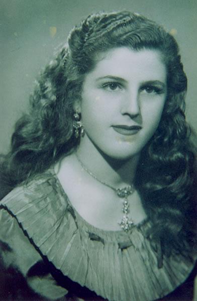 283.-Julia-Bargueno-Gutierrez.-Ano-1951.-Procedencia-Manuela-Garcia-Gutierrez