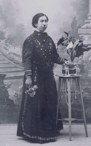 311.-Felisa-Alonso-en-dia-de-su-boda.-Ano-1910.-Procedencia-Maria-Pleite.-Fotos-Rodriguez