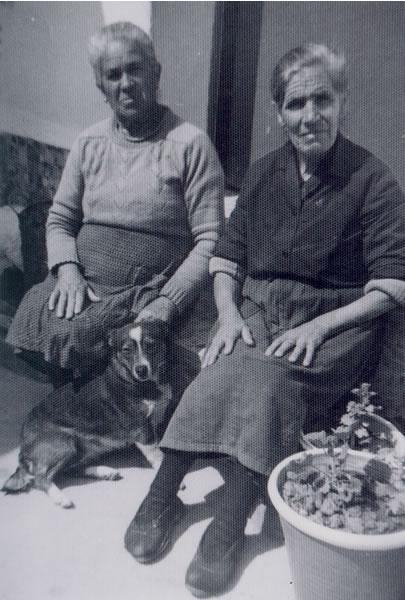 315.-Eusebia-Alonso--La-Gambeta--y-Petra-Gutierrez.-Hacia-1965.-Procedencia-Maria-Pleite