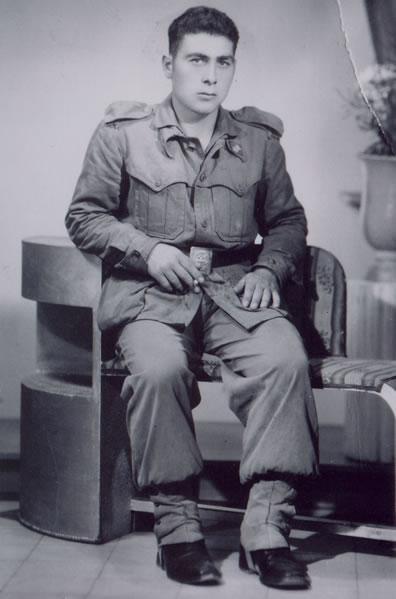 318.-Francisco-Gutierrez-Pleite-durante-el-servicio-militar.-Hacia-1955.-Proced.-Julian-Bargueno-y-Maria