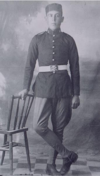 330.-Fernando-Bargueno-Perez-durante-la-Guerra-de-Melilla.-Ano-1925.-Pr.-Pilar-Bargueno.-Foto-Union-J.-G