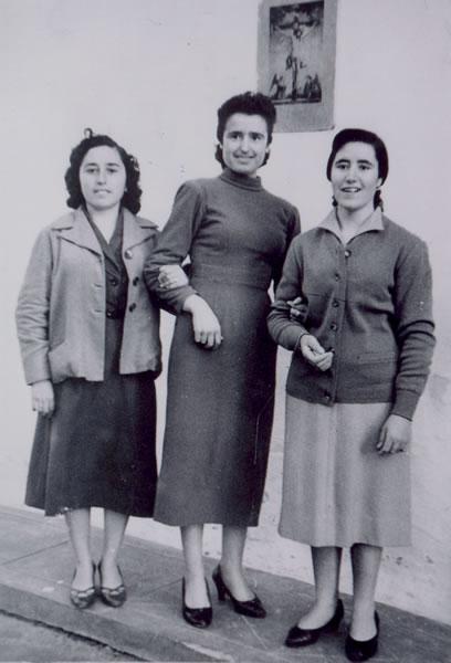 339.-Manuela-Perez-Martin-con-sus-amigas-Rosario-y-Teresa.-Procedencia-Manuela-Perez.-Foto-Alfonso