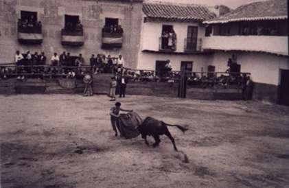 36-actuacion-en-la-plaza-de-toros-de-palos-decada-de-1950-procedencia-sara-sanchez
