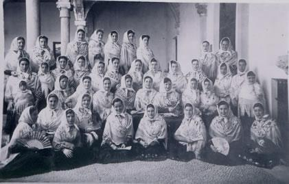 390.-visita-a-la-Virgen-de-la-Esperanza-en-Toledo.-1952.-Pr.-Mª-Luisa-Moreno