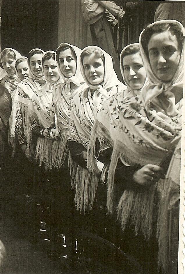 426.-Barguenas-durante-la-Procesion.-Ano-1953.-Procedencia-Rosalia-Lain
