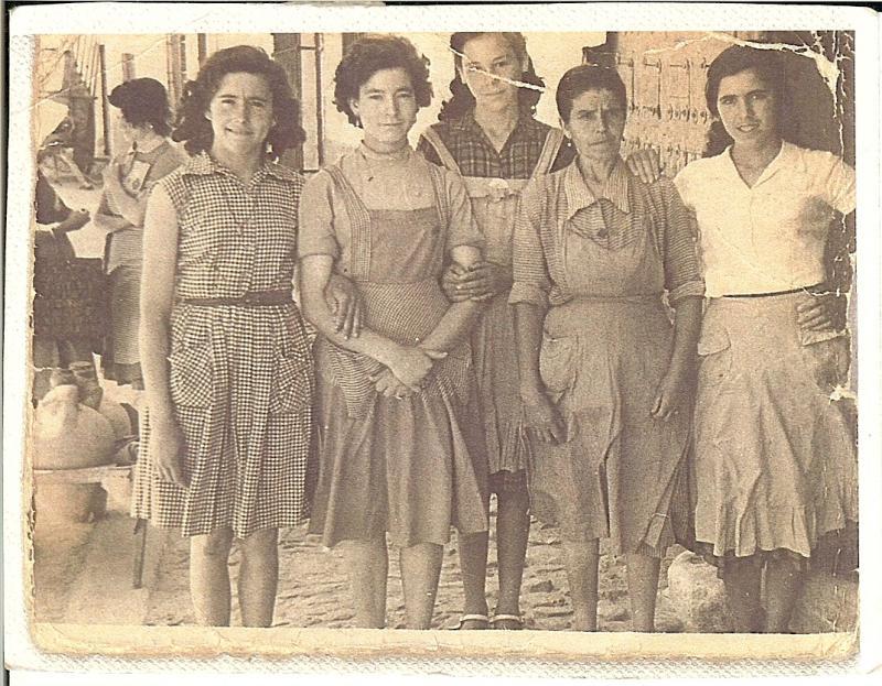 438.--Eugenia,-Esperanza,-Andrea,-Juliana-y-Fabiana.-H.1960.-Proced.Andrea-Pleite