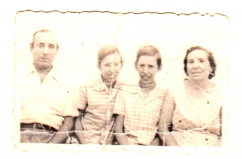 441.-Famila-Fernandez-Villasevil.-Hacia-1975.-Proced.-M.Teresa-F.Villasevil