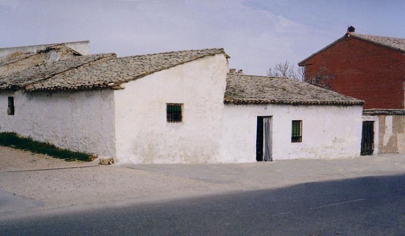 477.--Fachada-en-calle-Agua.-Bargas-1993.-Proced.-Felipe-Pleite