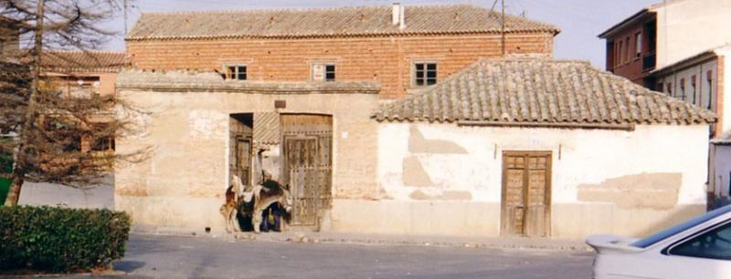 478.-Fachada-en-Plaza-de-Aurora-Morales.-Bargas-1993.-Proced.-Felipe-Pleite