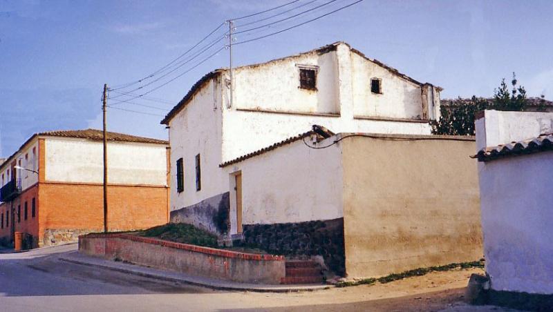 482.-Fachada-en-calle-Barrio-Alto.-Bargas-1993.-Proced.-Felipe-Pleite