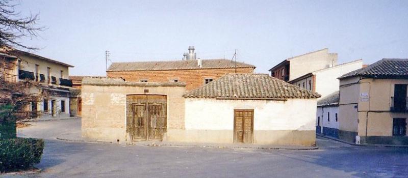 483.-Fachada-en-Plaza-Aurora-Morales.-Bargas-1993.-Proced.-Felipe-Pleite