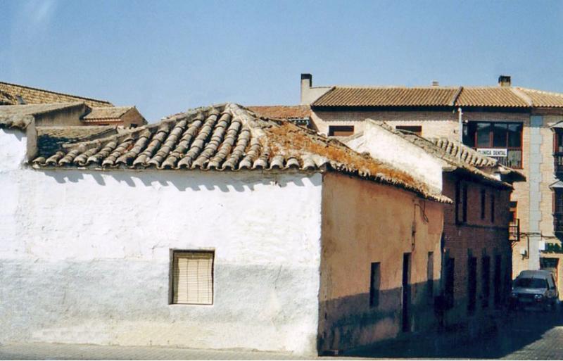 490.-Fachada-en-calle-Vicente-Morales-esquina-a-calle-Agua.-Bargas-2003.-Proced.-Felipe-Pleite
