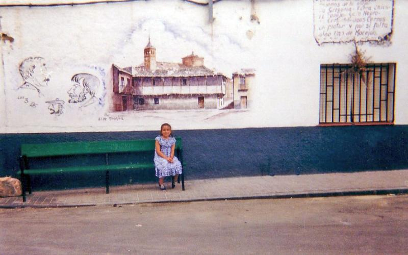 495.-Dibujo-de-Tomas-Camarero,-hoy-desaparecido,-en-la-fachada-de-la-casa-de-Julia-Moreno-Gutierrez,--en-la-calle-Plaza-de-Toros.-Proced.-Felipe-Pleite