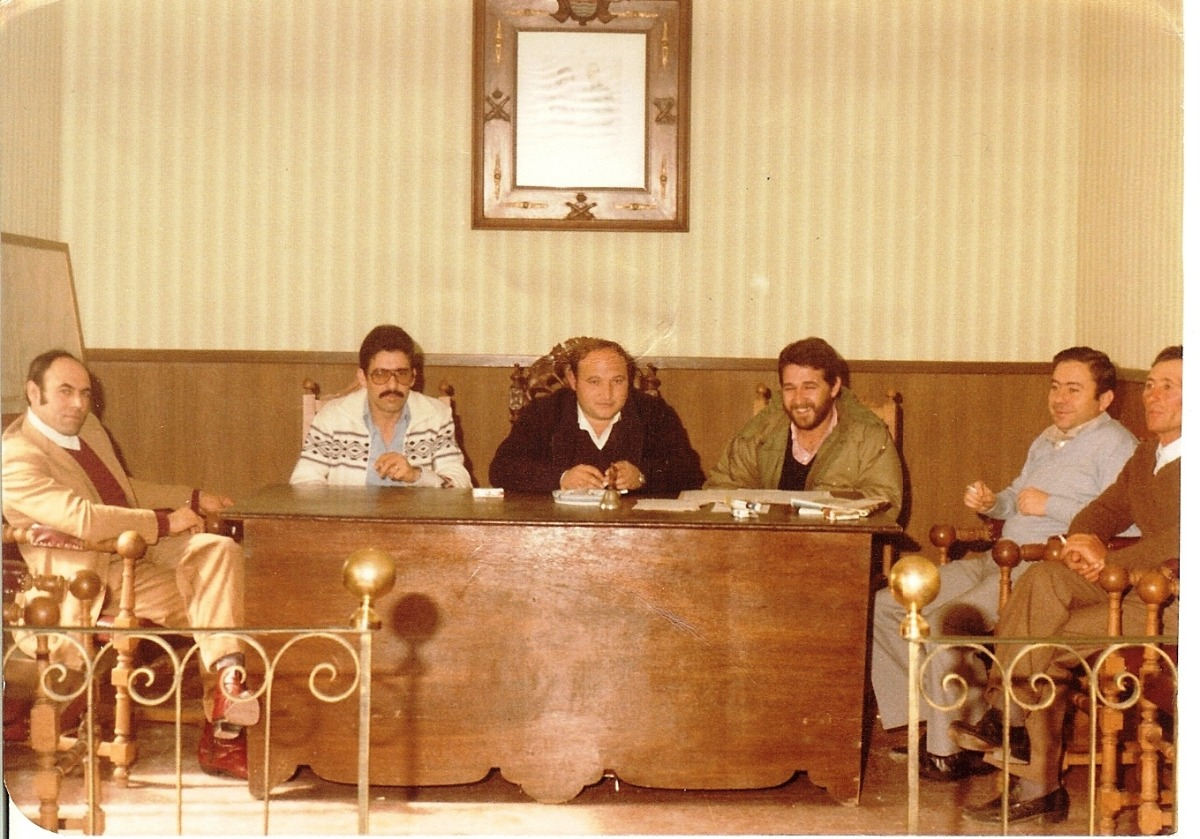 508.-Sesion-plenaria-1982.-En-la-imagen--Alcalde,-Francisco-Pleite_-el-Secretario,--Jeronimo-Martinez_-el-Teniente-de-Alcalde,-Julio-Martin_-los-Concejales-Elias-Alonso,-Alfredo--(1)