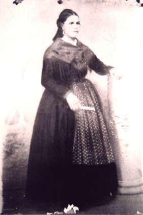 51.-Mujer-barguena-ataviada-con-traje-de-faena.-Hacia-1910.-Procedencia-Archivo-Municipal