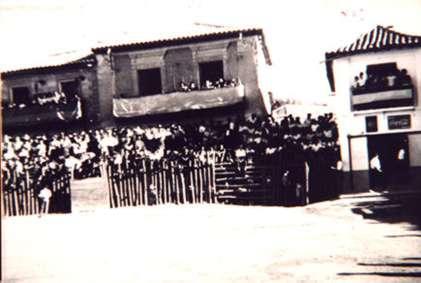63.-Plaza-de-toros-de-palos.-Decada-de-1950.-Procedencia-Archivo-Municipal