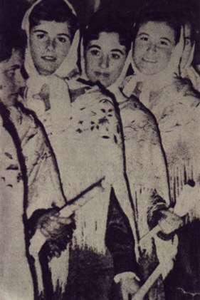 68.-Barguenas-durante-la-Procesion.-Ano-1959.-Pr.-Ana-Isabel-Garcia