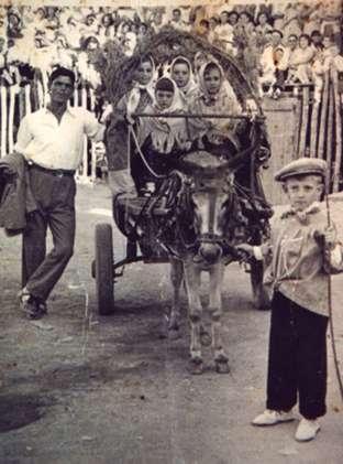 70.-Manolo-Rguez.Villatobas-en-el-desfile-en-la-plaza-de-toros.-Hacia-1960.-Proc.-Raul-del-Cerro