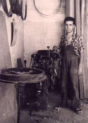 92.-Afilador-de-sierras.-Hacia-1950.-Procedencia-Julio-Sanchez-Coreas