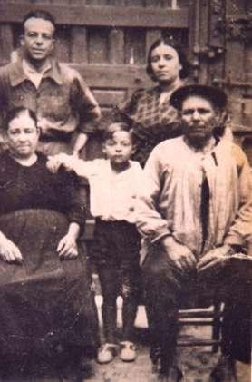 98.-Familia-de-Manuel-Villasevil-y-Eusebia-Bargueno.-Ano-1932.-Procedencia-Jose-Rosell