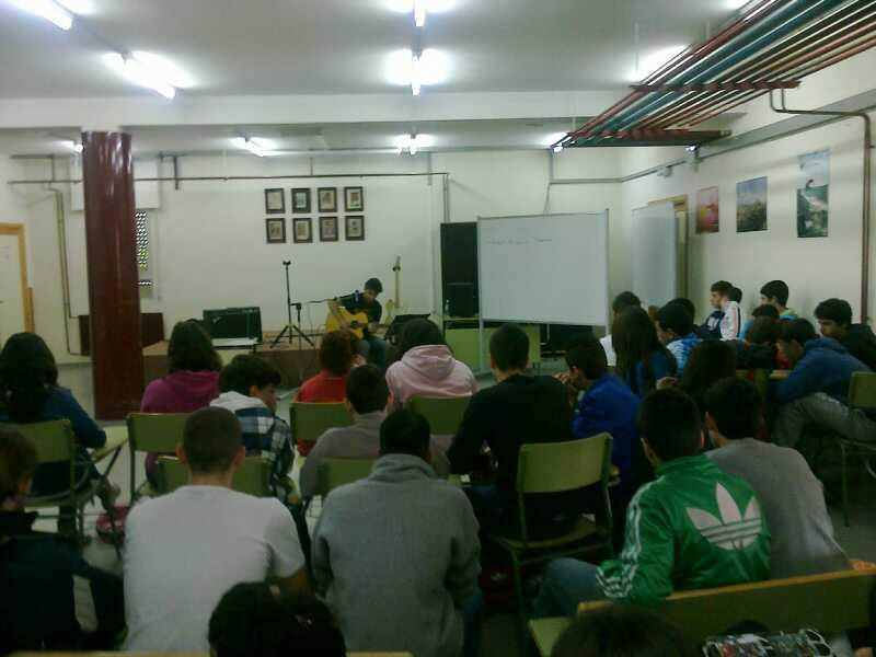 EL AYUNTAMIENTO de BARGAS y el I.E.S. JULIO VERNE, REALIZAN UNA JORNADA MUSICAL