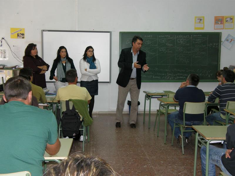 El alcalde de Bargas inaugura el curso de adultos 2010/2011