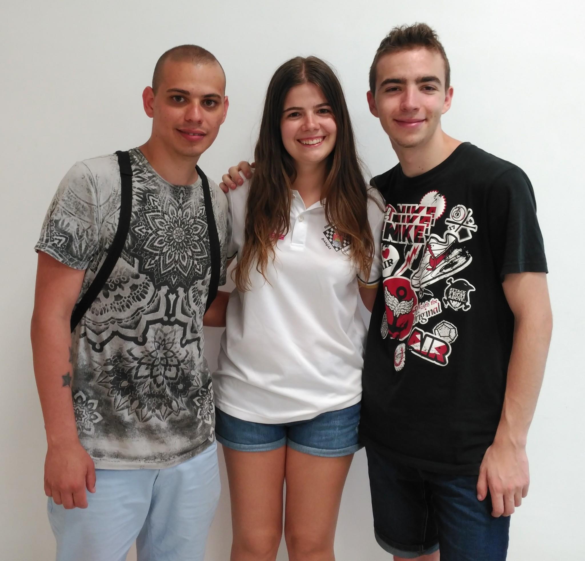 Los tres participantes del Club