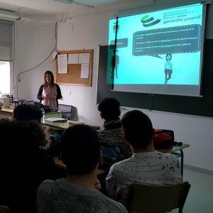 Bargas presenta el Sistema Nacional de Garantía Juvenil a los jóvenes de Formación Profesional del I.E.S. Julio Verne