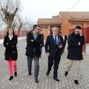 Los centros educativos de Bargas reciben la visita del Consejero de Educación, Cultura y Deporte