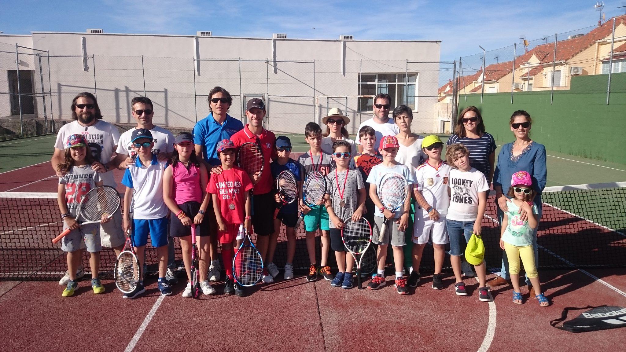 Mini tenis A todos con padres