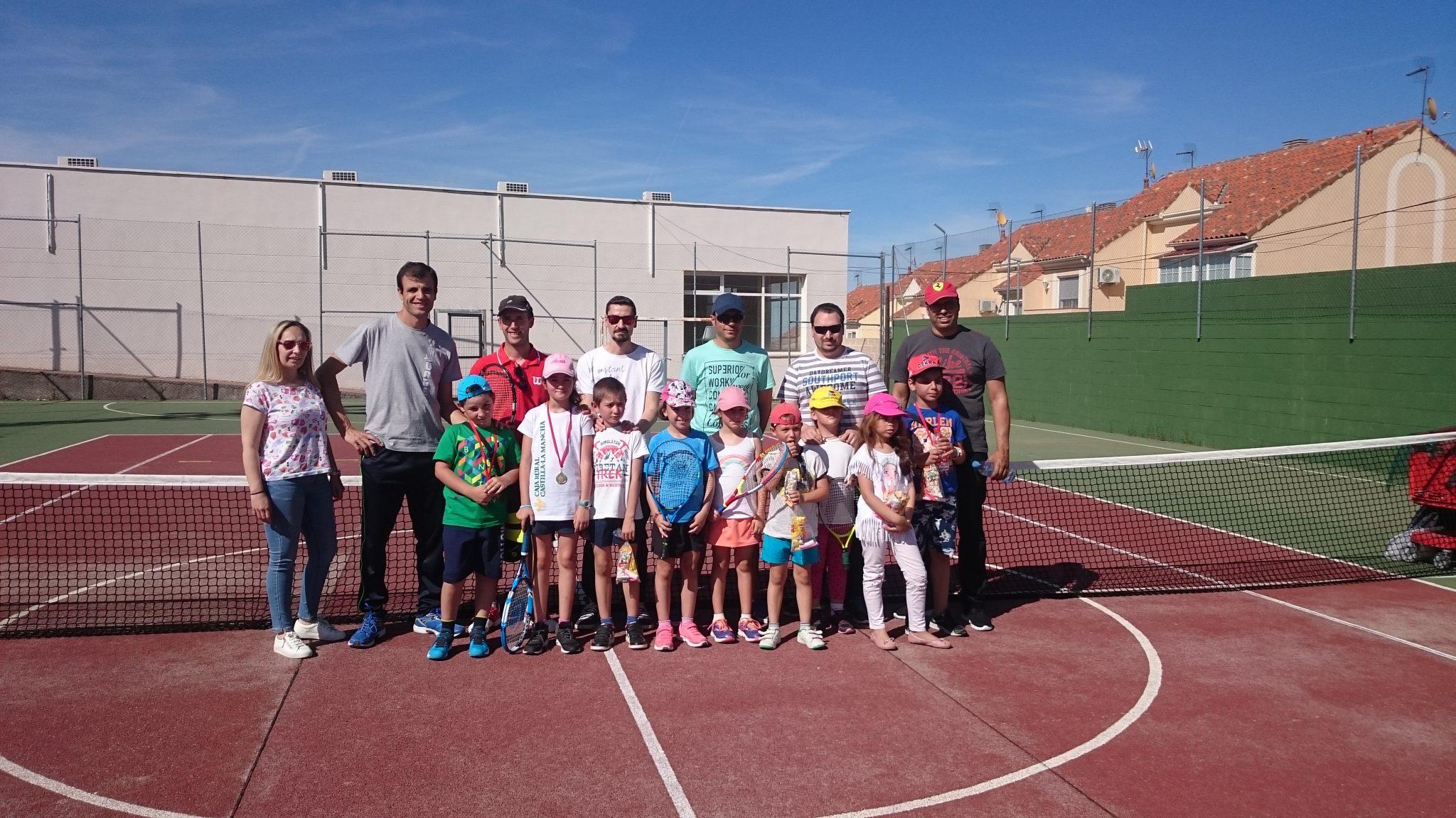 Mini tenis B todos con padres