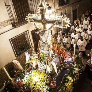 La tradicional procesión del Stmo. Cristo de la Sala marca el ritmo de las fiestas de Bargas