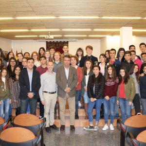 Bargas recibe a un grupo de alumnos y profesores procedentes de Napa